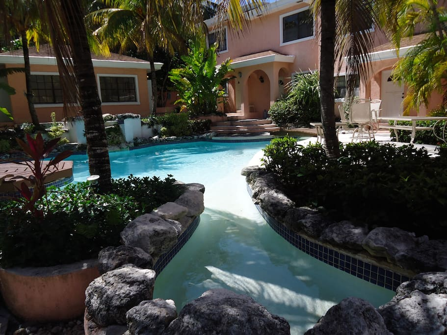 Paradise Villas Unit 12 Apartments For Rent In Nassau New Providence Bahamas
