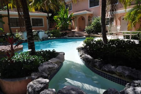 Paradise Villas unit 12 - Nassau - Apartment