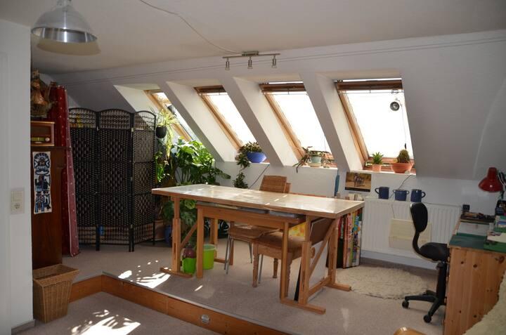 großes, sonniges Zimmer mit kurzem Weg zur Ostsee