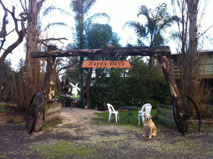 Happy Days, Tinamba - Room Only - Dog Friendly