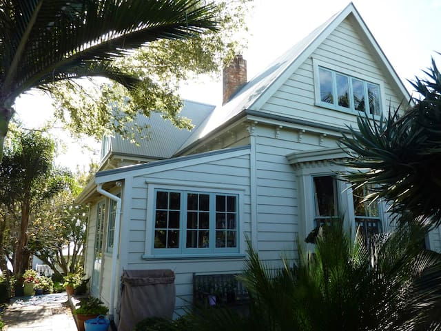Central Mt Eden Villa - Auckland - Hus