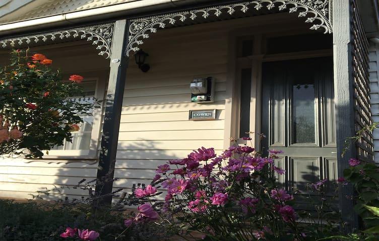 Cowen House - Kyneton - House