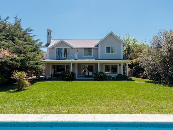 Charming and calm house in gated community.
