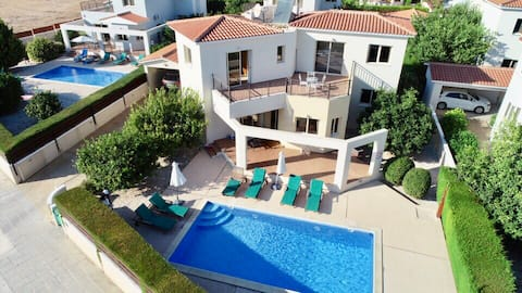 Holiday Villa ready to book NOW!