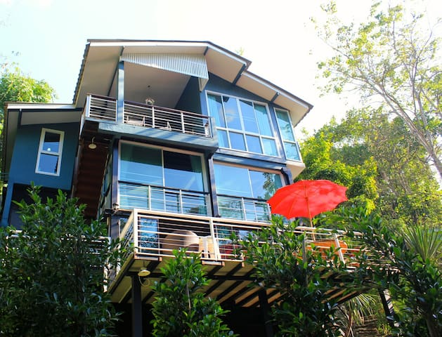 Riverside Escape: MaeKamPong Valley - Chiang Mai Thailand - House