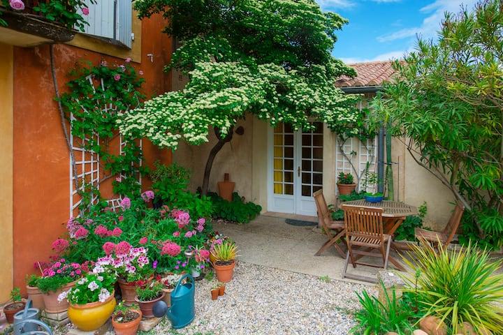 Chambre dans un jardin