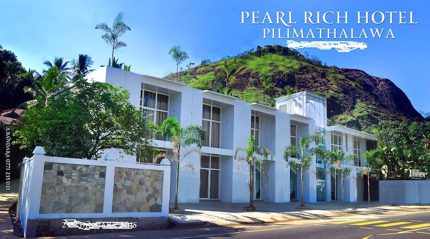 Pearlrich Hotel - Kandy - Bed & Breakfast