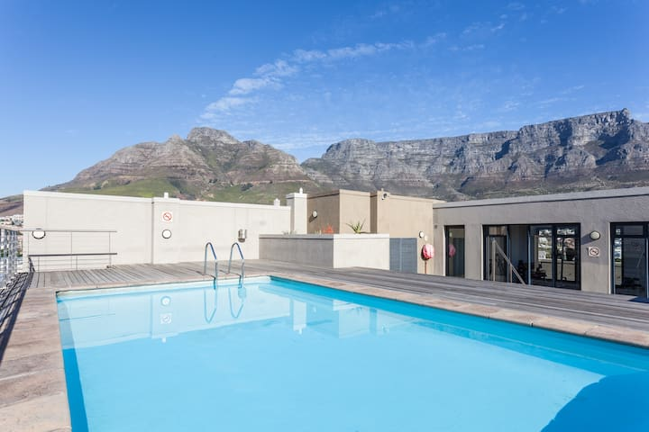 Same level pool and gym with 360 views of Cape Town