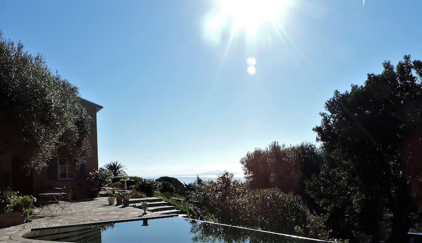 Maison avec piscine mer et maquis