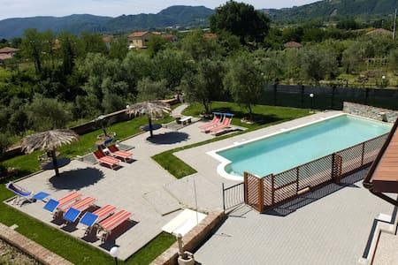 Casa Vacanze La Fonda - Ibisco - Santo Stefano di Magra
