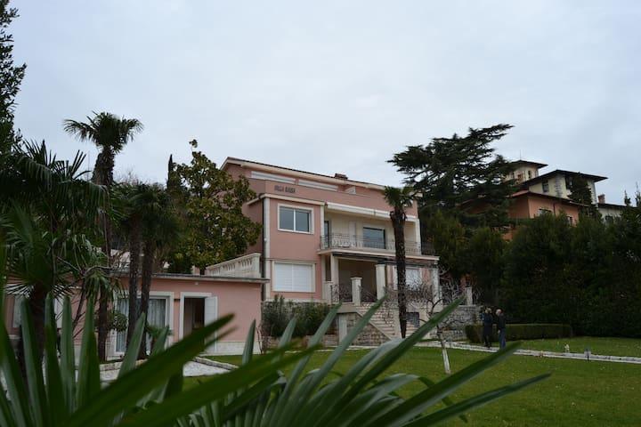Апартамент в Опатии, Вилла на море - Opatija - Villa