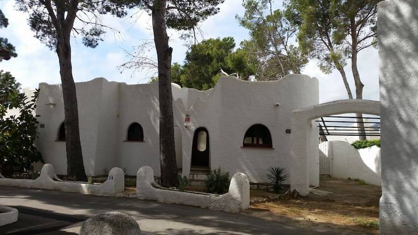 Casa Ibicenca - Miami Playa - House