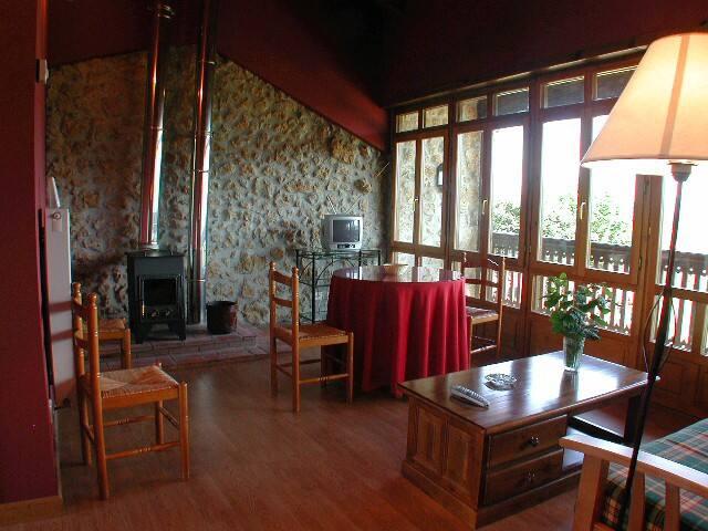 Apartamento Rural con Jardín Torea (Rojo)