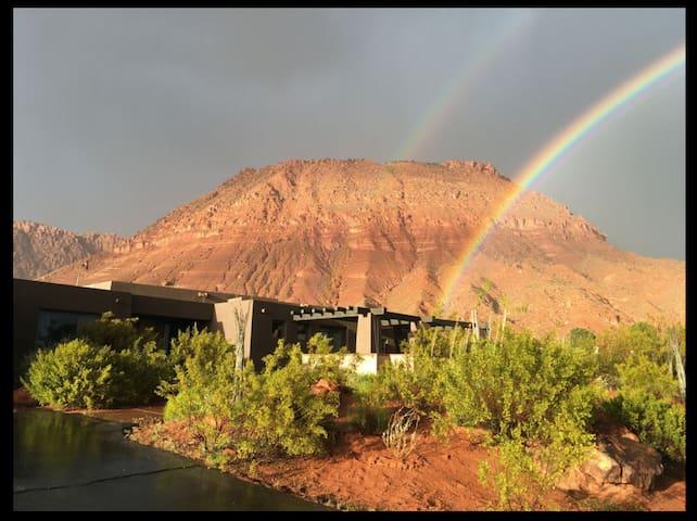 St George/Ivins UT, A Stunning Desert-Modern Home