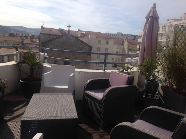Duplex centre ville avec terrasse! - Saint-Étienne - Appartamento