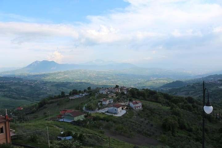 the house in little town with view - Montefusco - 公寓