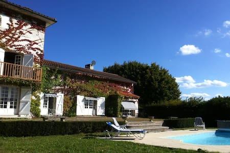 Maison de Charme de 220m² avec piscine chauffée