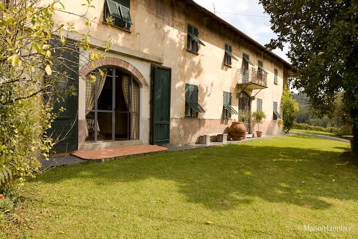 Experience fine country living in the vineyards
