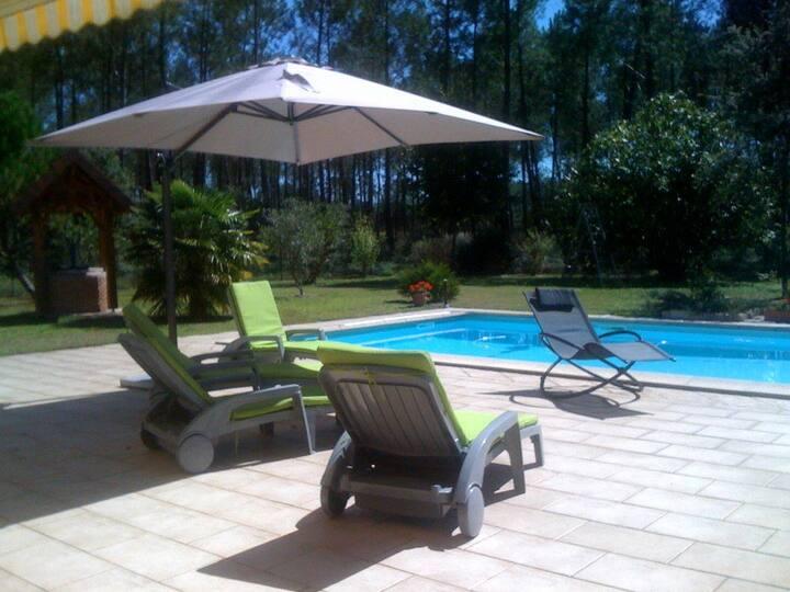 Chambre d'hôtes au calme avec piscine