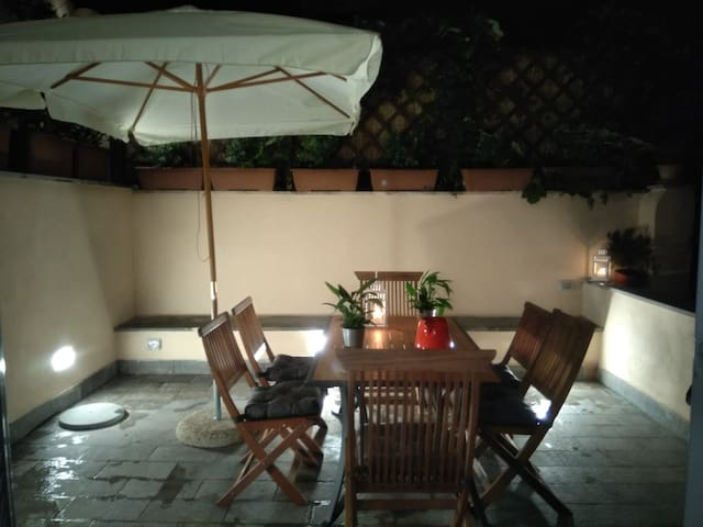 Terrace house in Rome