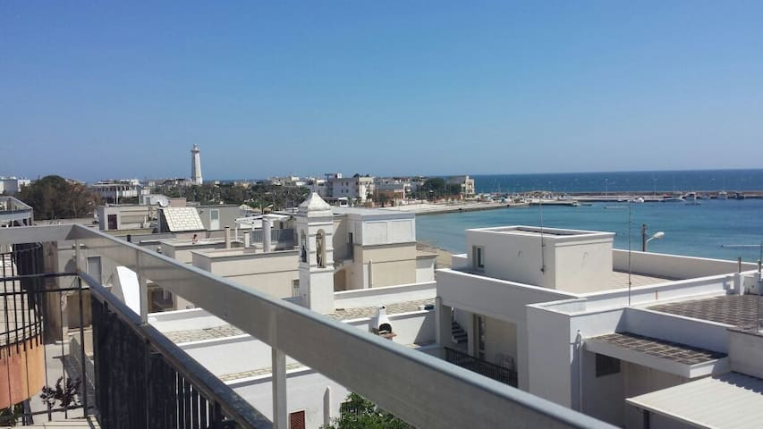 Chalet in terrazza - Torre Canne - Daire