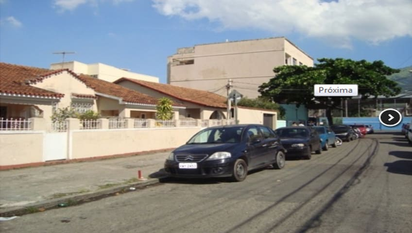LARGE HOUSE CLOSE TO THE OLYMPIC PARK AND THE MARACANA