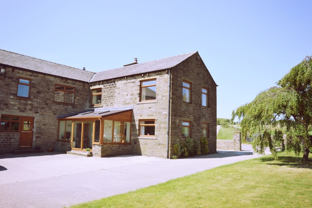 Haddon Farm with ample parking & gardens