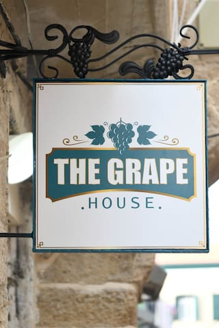 The Grape House - Chardonnay Room