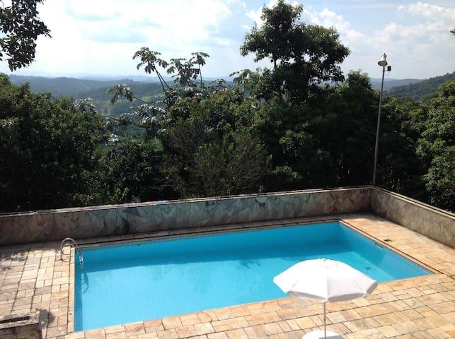 Suíte 5 para 4 pessoas no coração da Cantareira - Mairiporã - บ้าน
