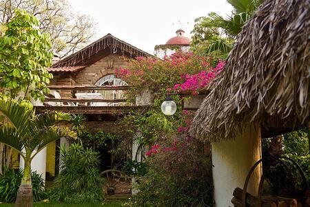 Hermosa cabaña con alberca y palapa - Atlixco