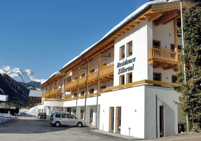 Luxury 4 person 3-room apartment - Gerlos - Huoneisto