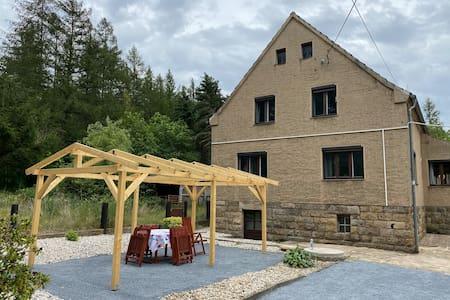 HAUS AM WALD Ferienhaus in Niederau bei Dresden