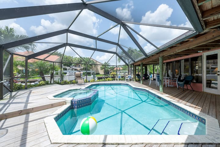 4BR Palm Beach Waterfront Home w/Private Dock&Pool