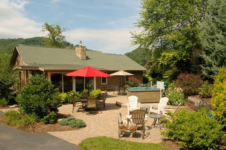 Located in the Heart of Maggie Valley