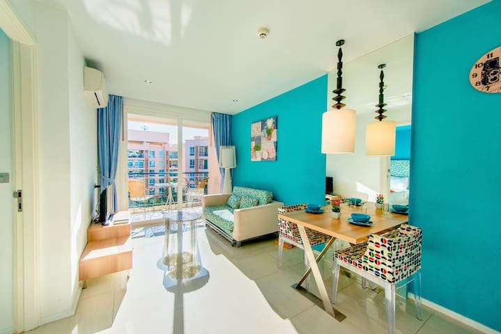 Penthouse waterpark with pool view near beach