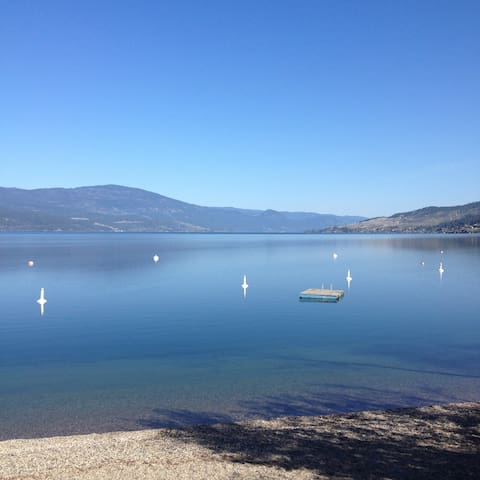 3 Bed+Den Artist Home 150 steps from Okanagan Lake - Lake Country - Huis