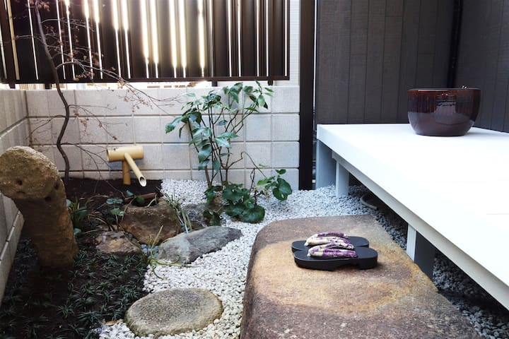 【Licensed】Clean and Spacious room near Kyoto sta.