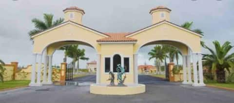 Brand New Bahamas Elegant vacation unit.