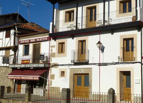 Apartment historical village Cuacos de Yuste 1-4p