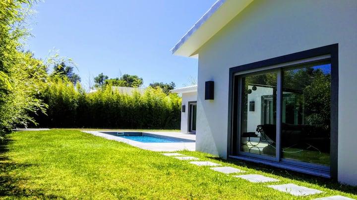 Exclusive 5-suite Villa in Birre, Cascais
