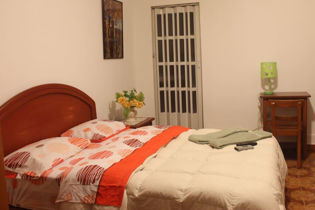 Comoda habitacion como mini apartamento con wifi casas - Comoda habitacion ...