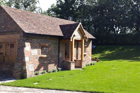 Boathouse studio close to the sea - Near west wittering, Chichester  - Bungalow