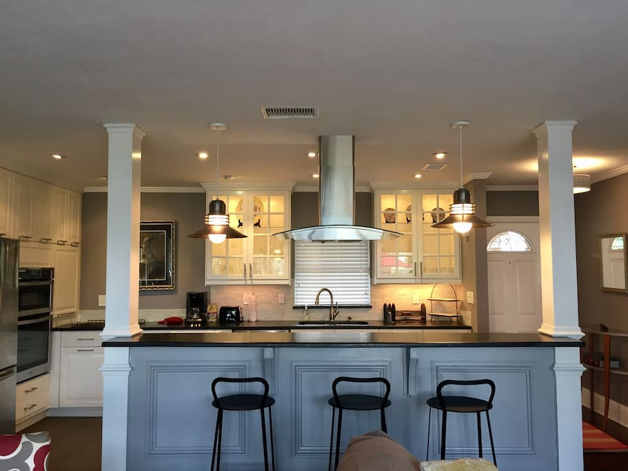 Counter bar and kitchen
