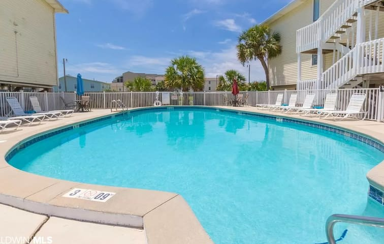Condo with Private BEACH Access and POOL!