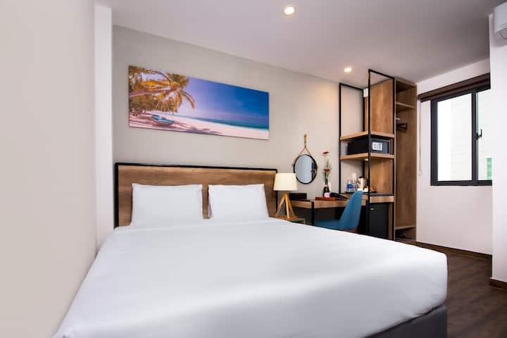 OCEAN VIEW DELUXE @ GOLDEN LOTUS CENTRAL HOTEL