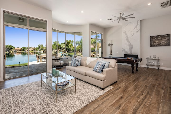 RitzWatersEdge Home, Heated Pool included in price