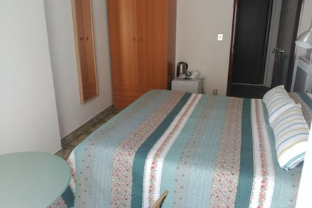 Bedroom with private bathroom - Tropea - Pis