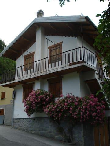 bilocale vista montagne - Limonetto frazione Limone Piemonte - Daire