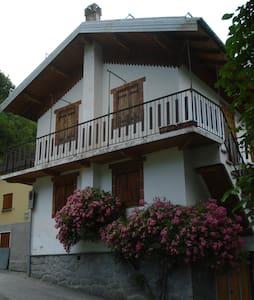 bilocale vista montagne - Limonetto frazione Limone Piemonte