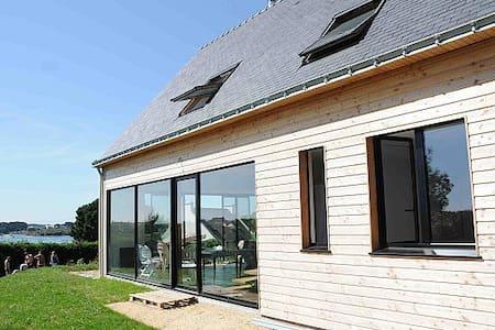 Villa bioclimatique - vue sur mer - Belz - Huis